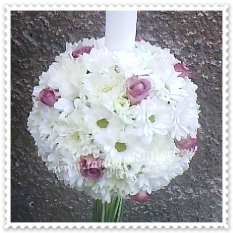 Lumanari de nunta din crizanteme si mini-roze.0166